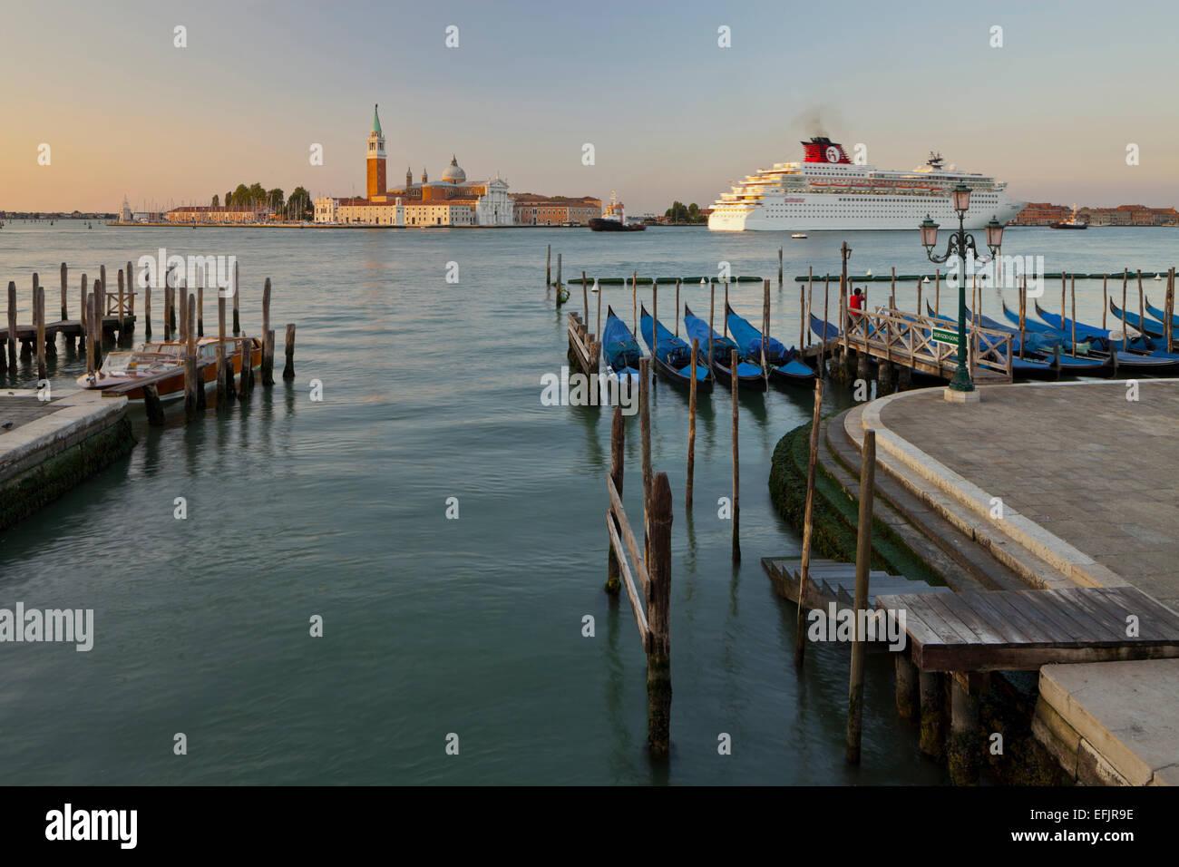 San Giorgio Maggiore of Riva degli Schiavoni, Gondeln, San Marco, Venice, Italy - Stock Image