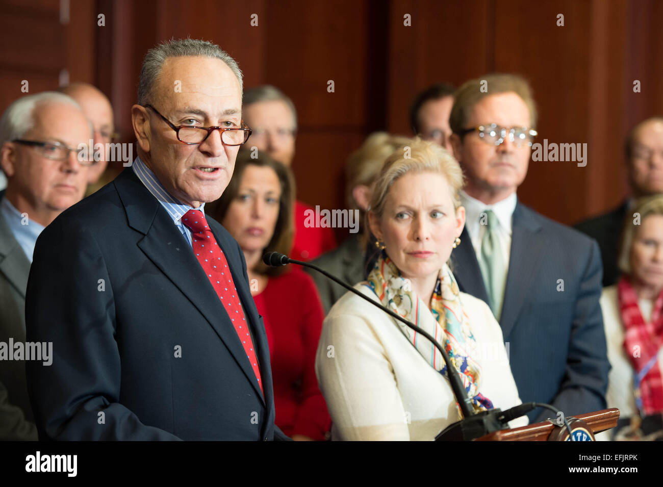 US Senator Chuck Schumer along with Senator Kirsten Gillibrand and families of aviation victims launch a push to - Stock Image