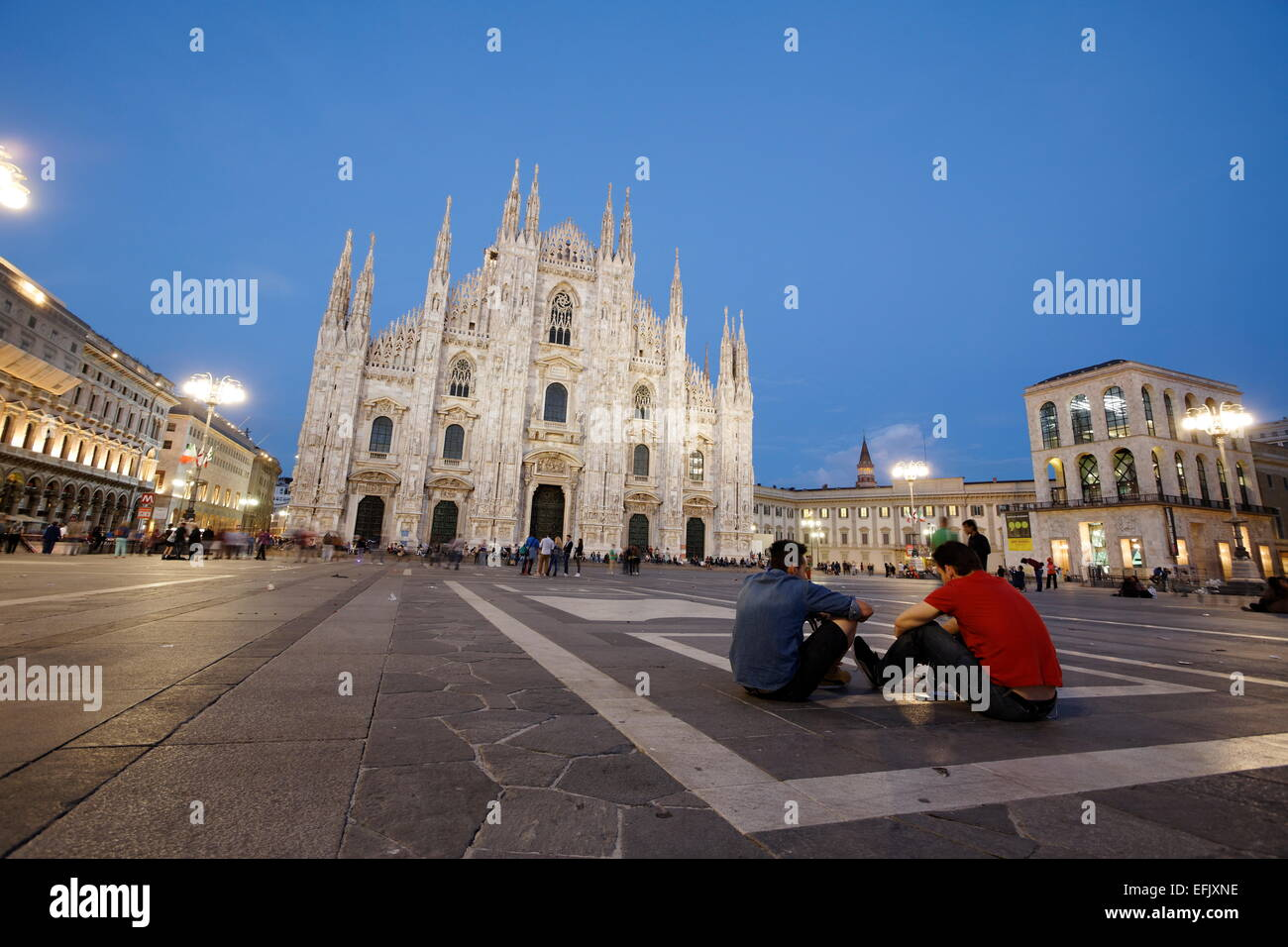 Piazza del Duomo with Milan Cathedral and Palazzo dell Arengario in the evening, Milan, Lombardy, Italy - Stock Image