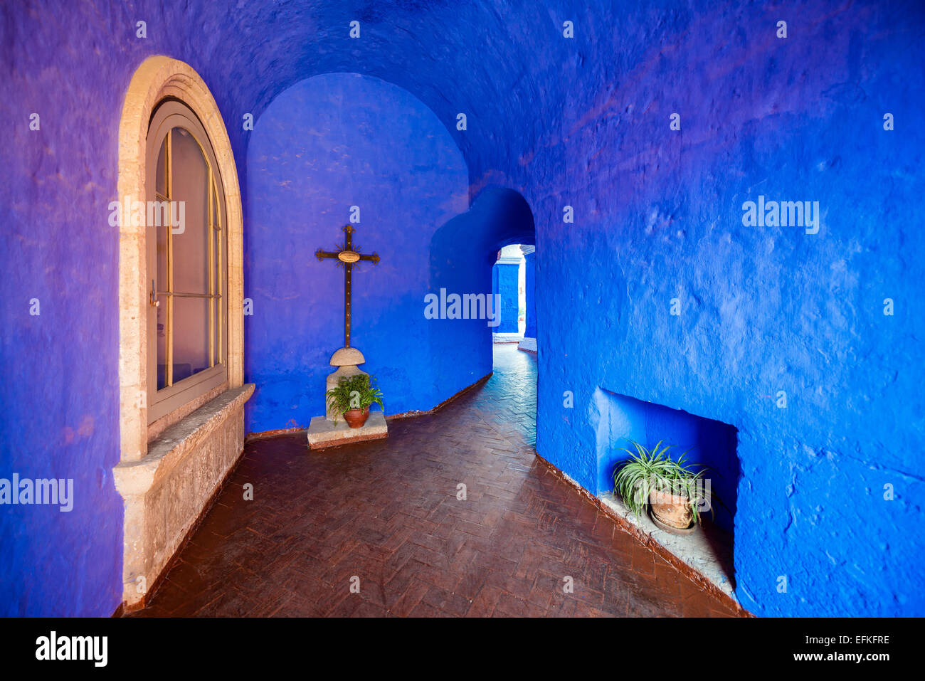 Blue walls of Santa Catalina Monastery in Arequipa, Peru - Stock Image