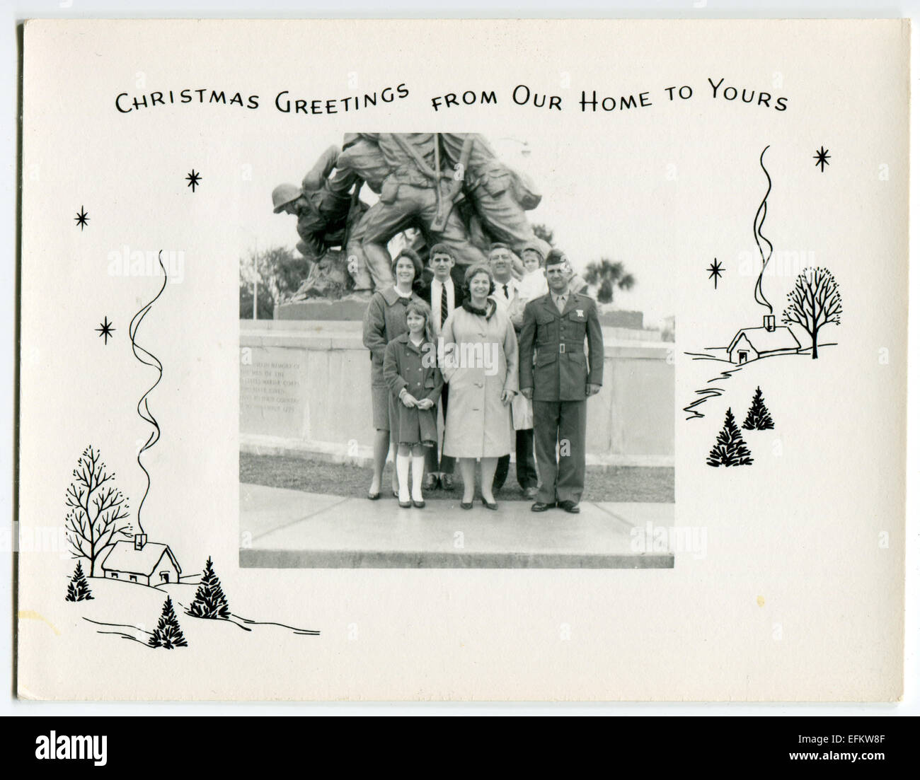 Usa. 12th Dec, 2014. CIRCA 1950s: Reproduction of an antique photo shows military family background on Memorial Stock Photo