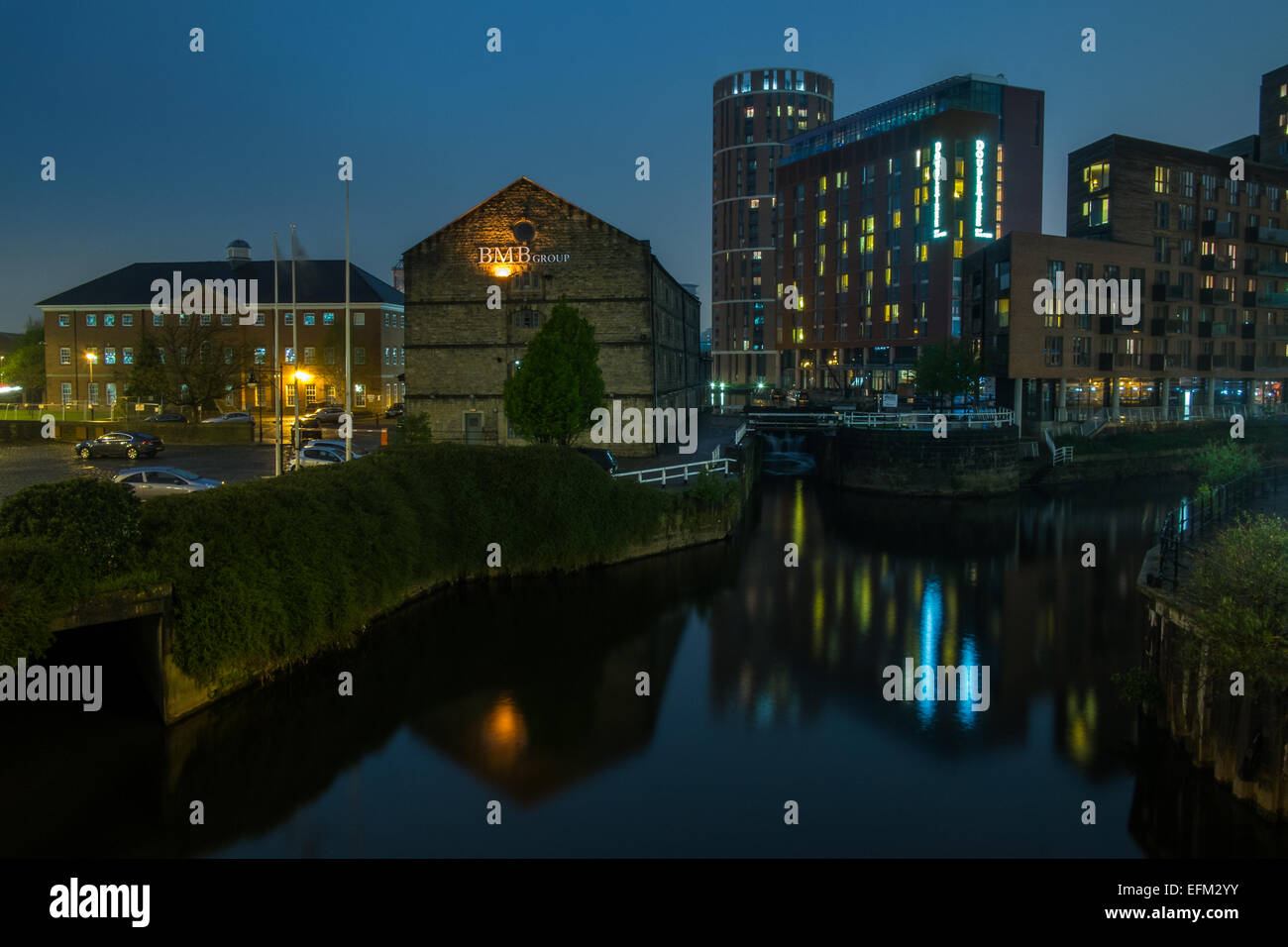 Night view of Granary Wharf in Leeds West Yorkshire - Stock Image