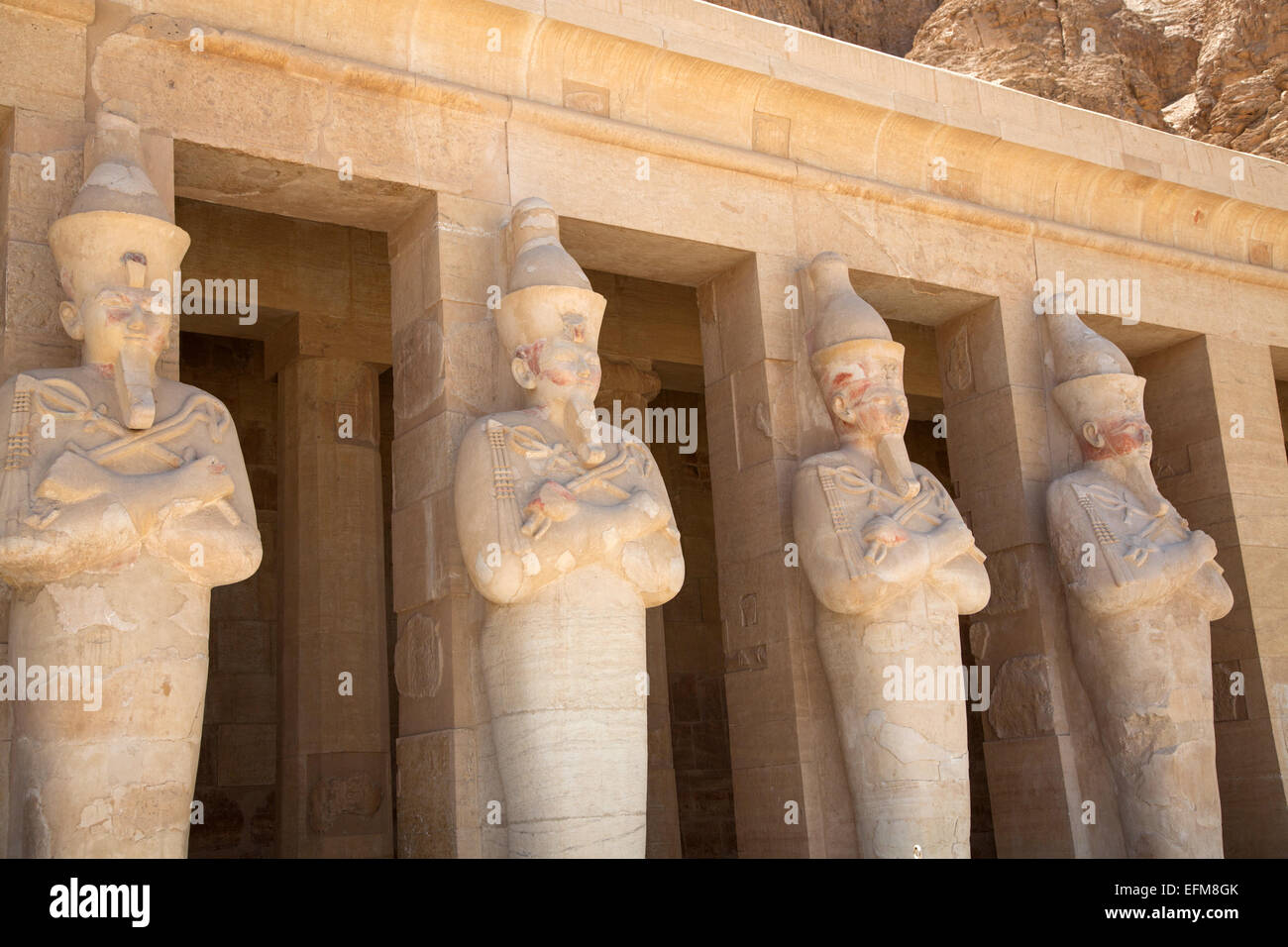 Statues of Hatshepsut at Deir-al-Bahri in Luxor's Valley of the Kings. - Stock Image