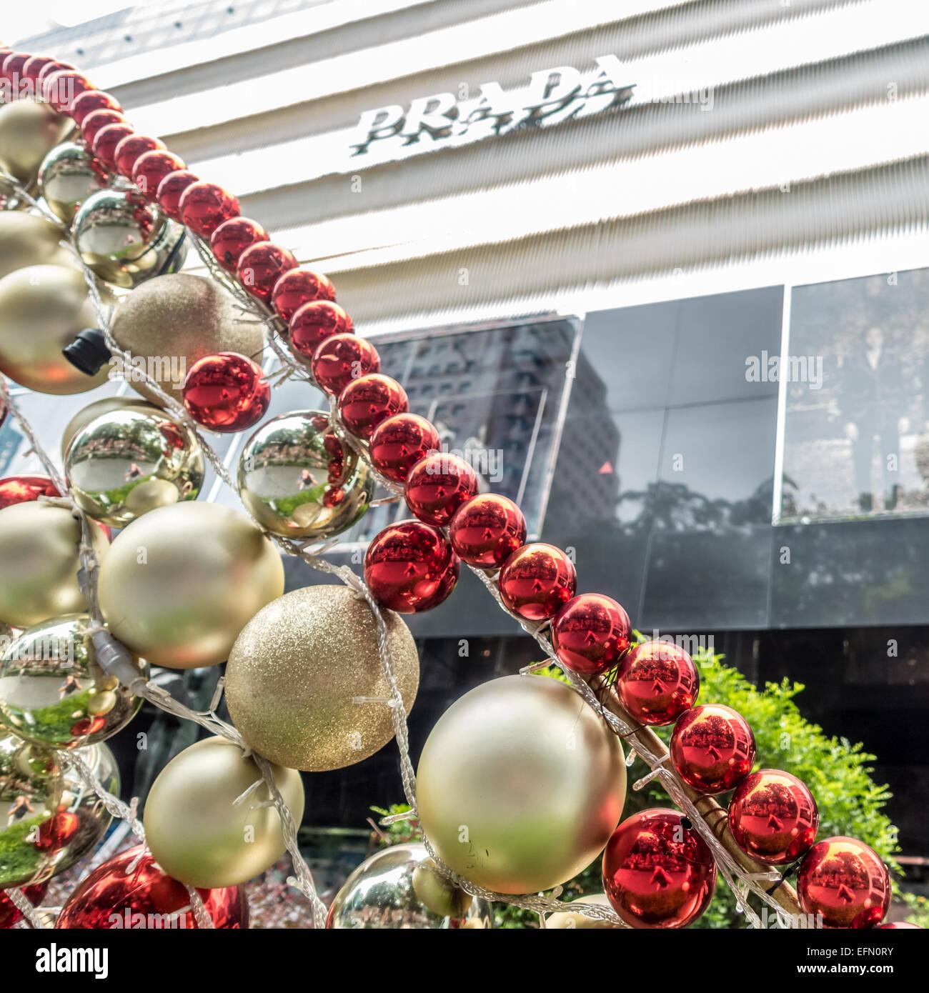 Prada Store Singapore Stock Photos & Prada Store Singapore