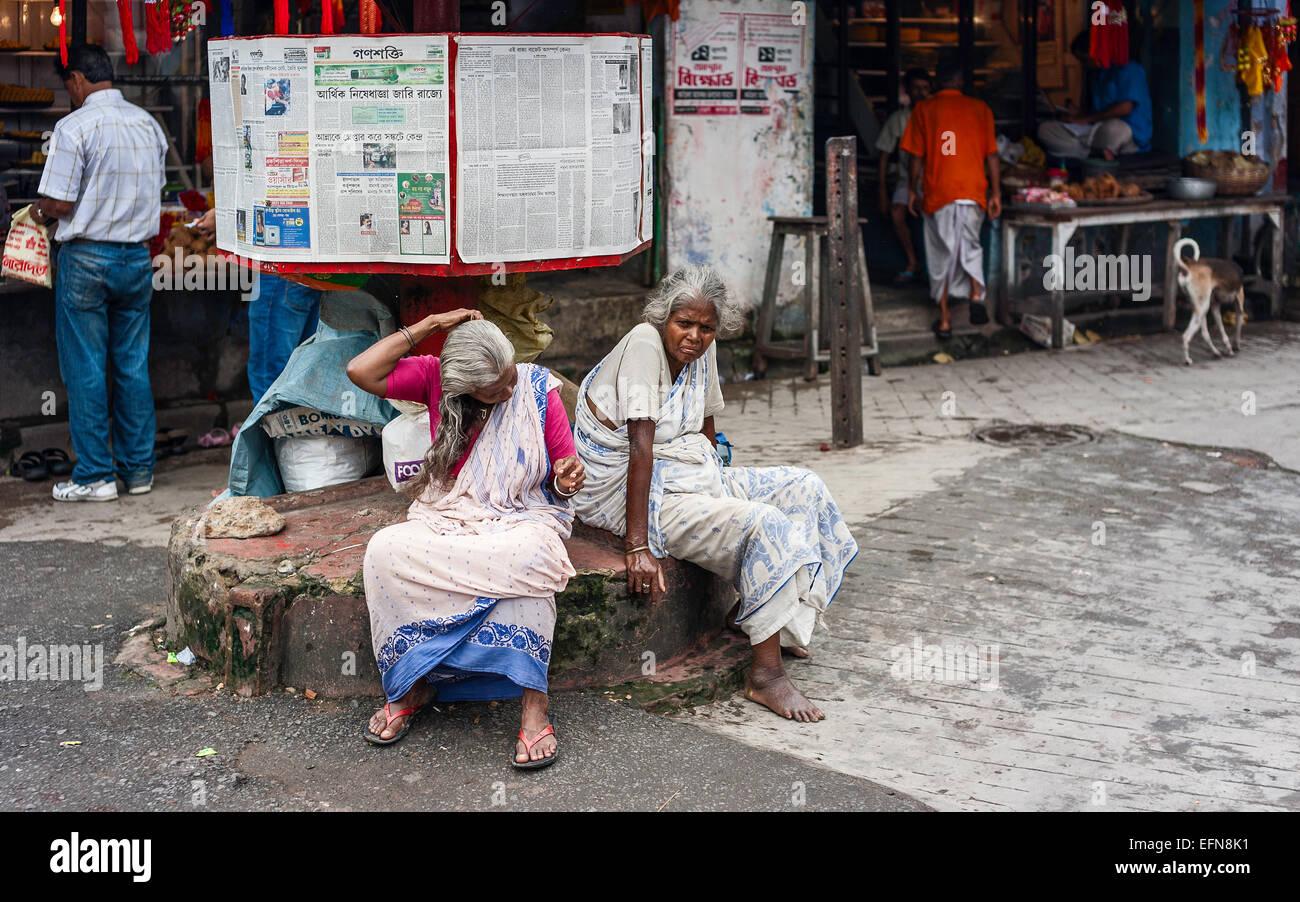 Kolkata Newspaper Stock Photos & Kolkata Newspaper Stock Images - Alamy