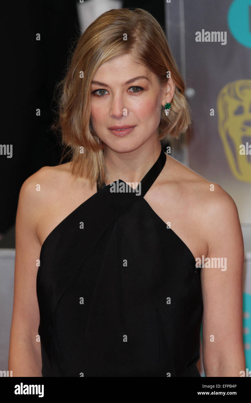 London, UK, 8th February 2015: Rosamund Pike attends the EE British Academy Film Awards at The Royal Opera House - Stock Image