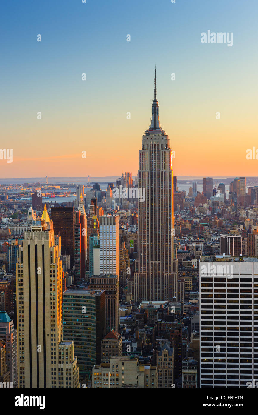 Manhattan view at sunset from Top of the Rock at Rockefeller Plaza. - Stock Image
