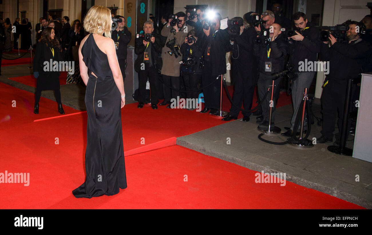 Rosamund Pike arrives on the red carpet for the EE BRITISH ACADEMY FILM AWARDS on 08/02/2015 at Royal Opera House, - Stock Image