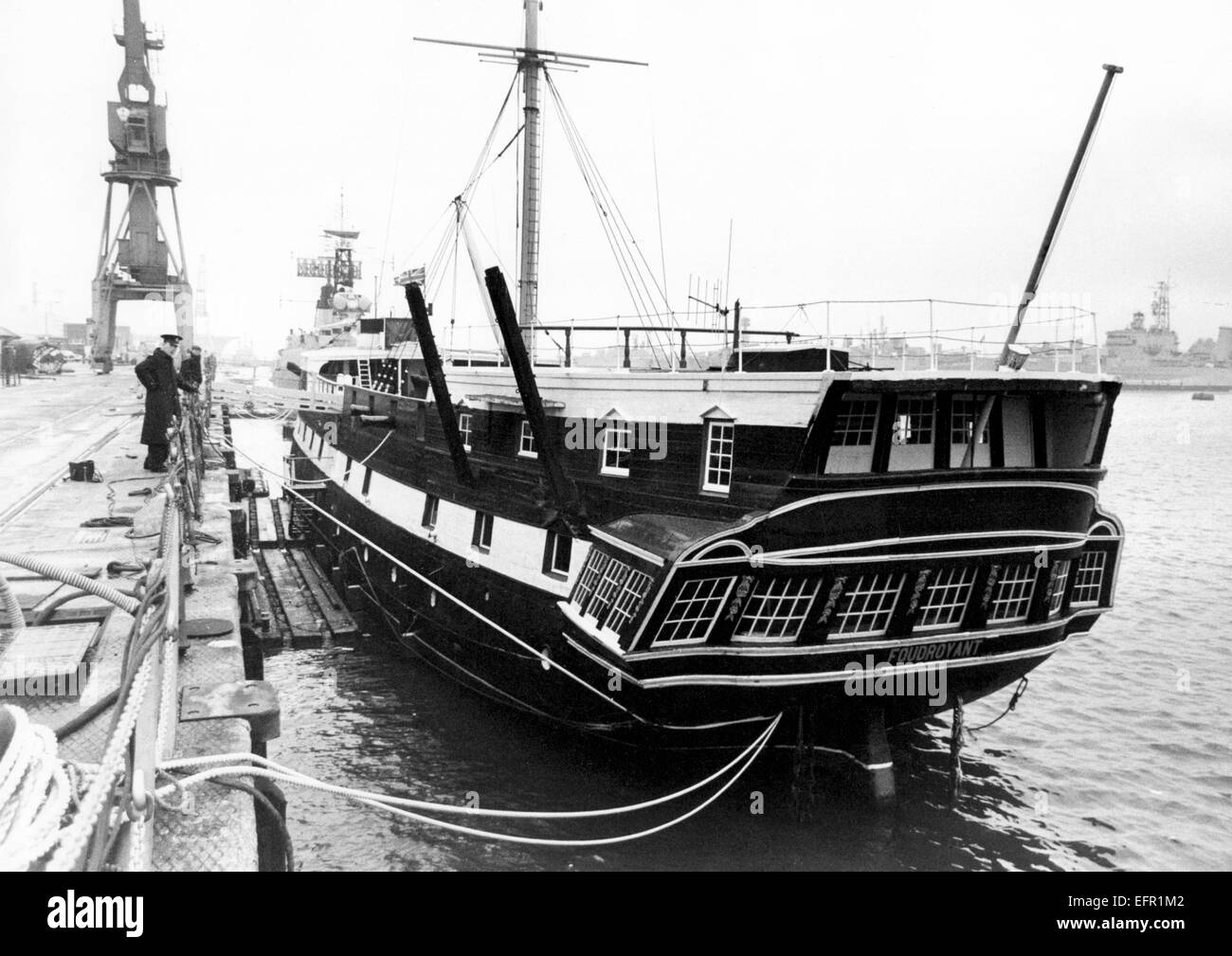AJAXNETPHOTO. - 9th NOV, 1969. PORTSMOUTH, ENGLAND. - WOODEN WALL DOCKED-  T.S. FOUDROYANT (EX TRINCOMALEE) UNDERGOING - Stock Image