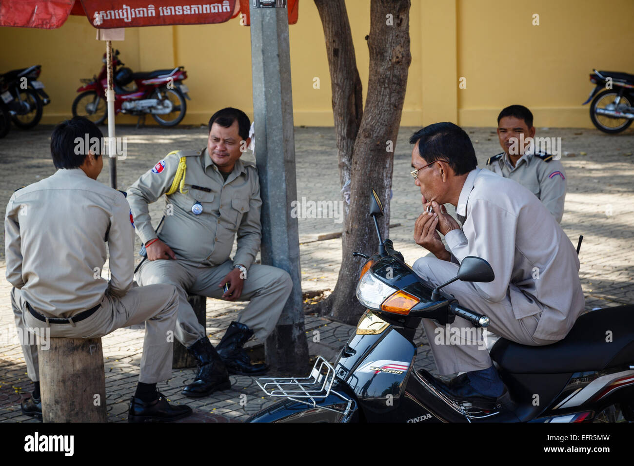 Police officers, Phnom Penh, Cambodia. - Stock Image