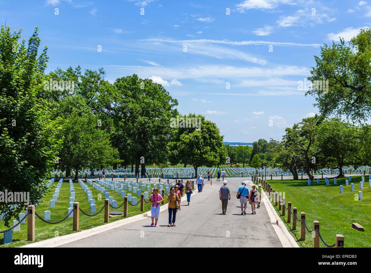 Weeks Drive in Arlington National Cemetery, Arlington, Virginia, USA - Stock Image