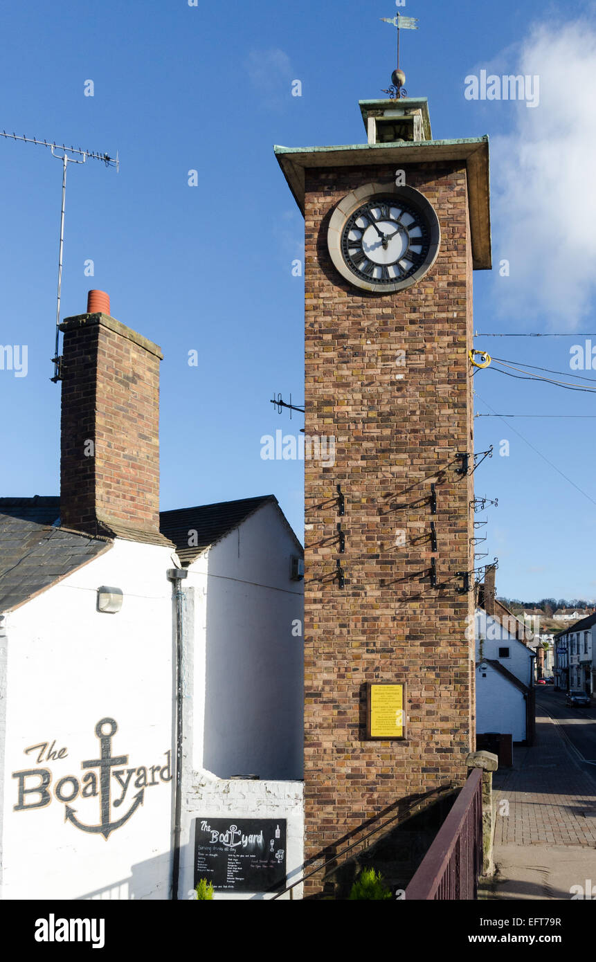 Clock tower commemorating the manufacture of the world's first passenger locomotive engine in Bridgnorth, Shropshire - Stock Image