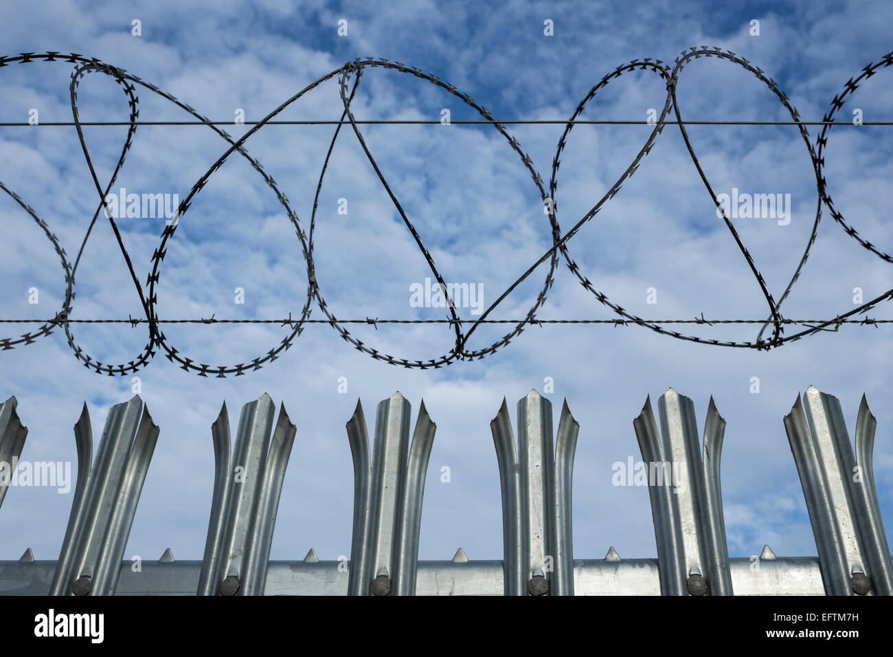 Barbed Wire Fence Perimeter Wiring Center Ats01n222rt Diagram Related Images