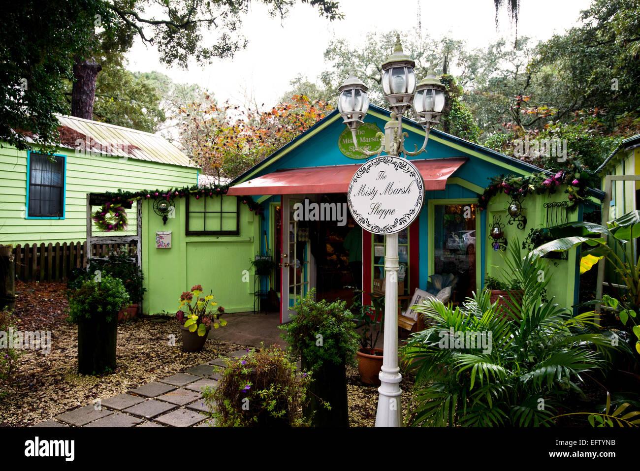The Misty Marsh Shoppe a quaint touristy gift shop in Tybee Island Georgia - Stock Image