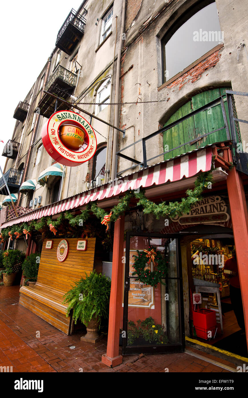 Charmant Savannahu0027s Candy Kitchen, River Street, Downtown Savannah Georgia   Stock  Image