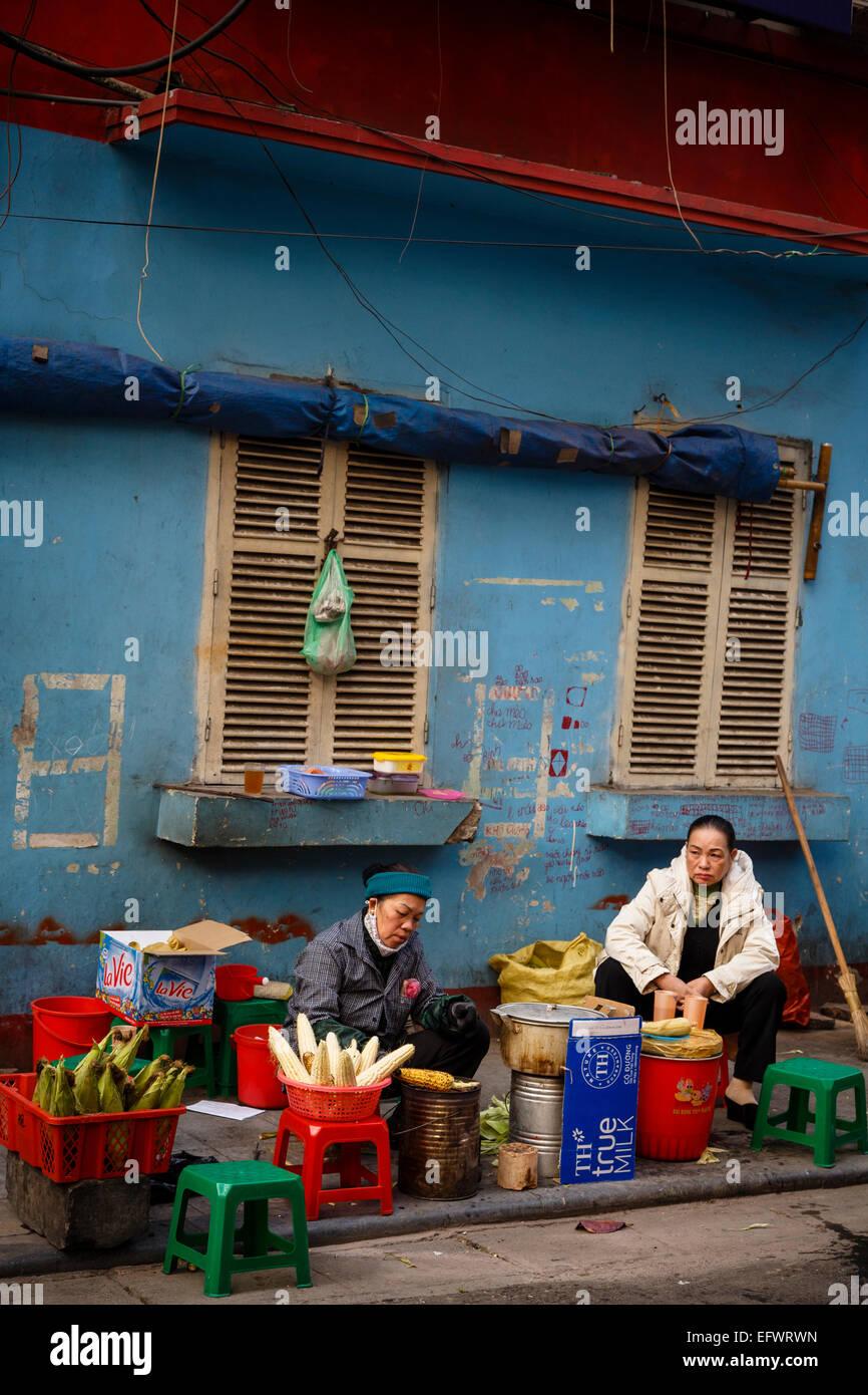 Street scene in the old quarter, Hanoi, Vietnam. - Stock Image
