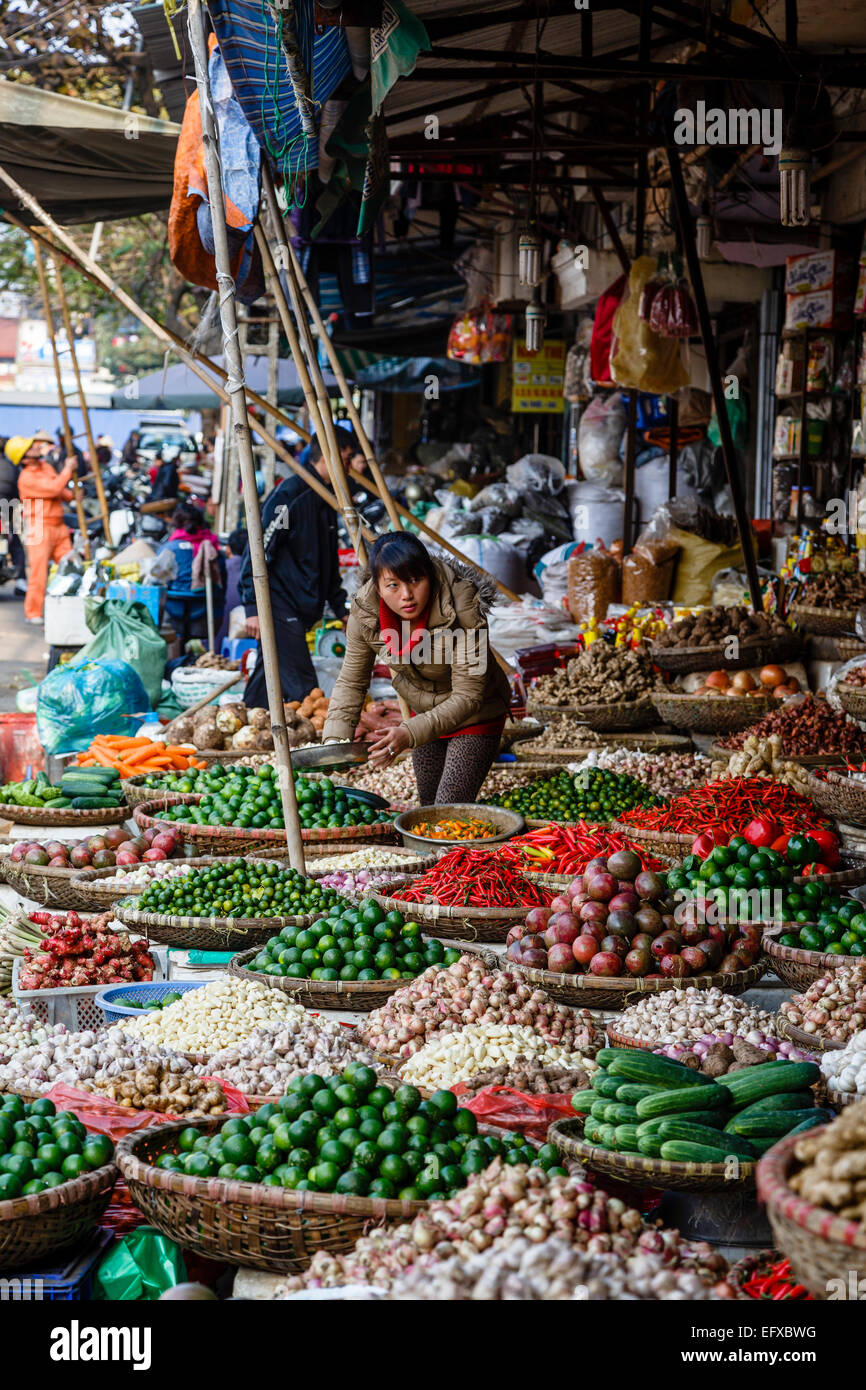 Market in the old quarter, Hanoi, Vietnam. - Stock Image
