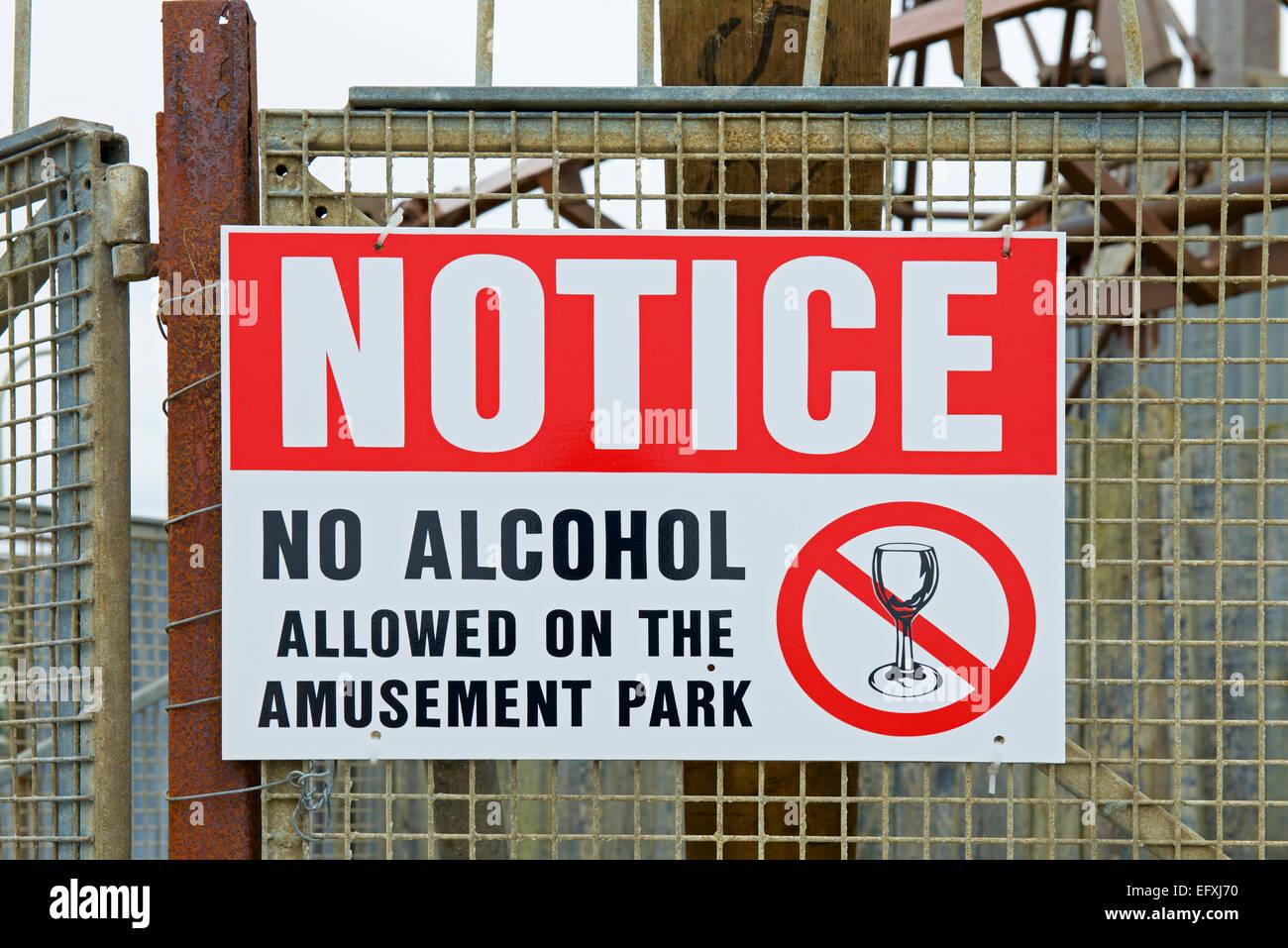 Notice: no alcohol allowed in tFunland amusement park, Beachlands, Hayling Island, Hampshire, England UK - Stock Image