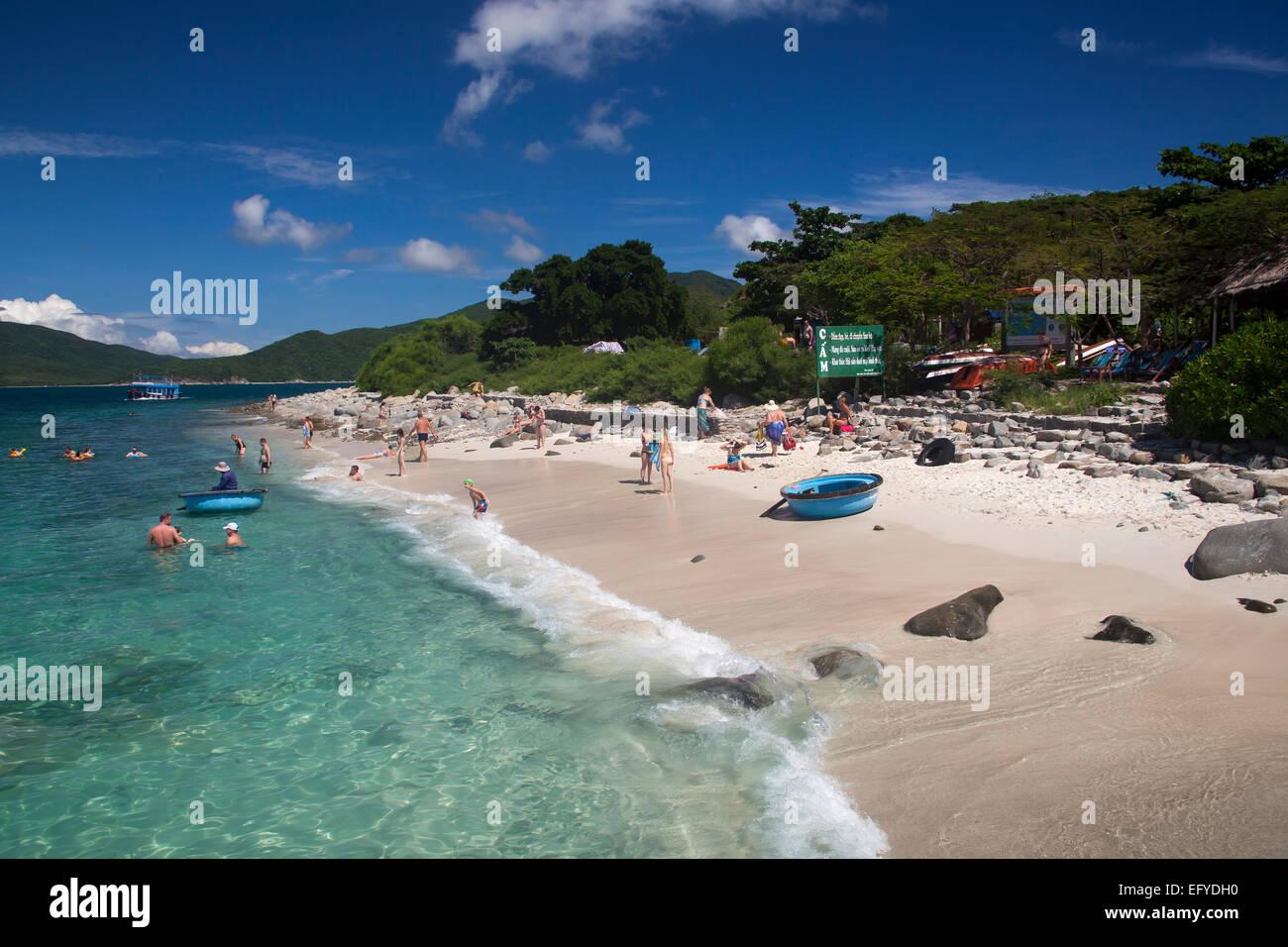 Beach of the island of Hon Mun, Nha Trang Bay, South China Sea, Nha Trang, Vietnam - Stock Image