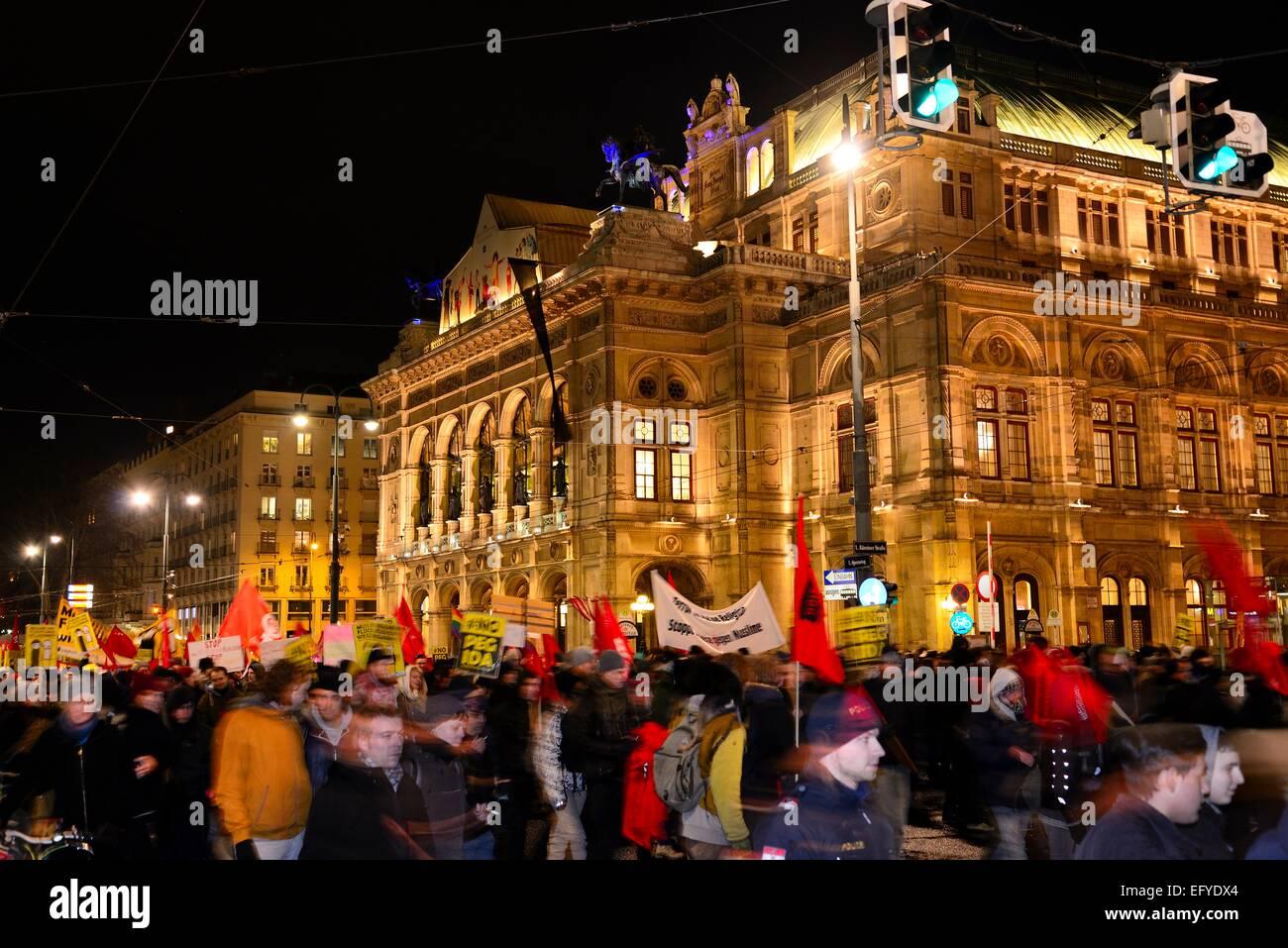 Demonstration against PEGIDA at the Opernring, Innere Stadt, Vienna, Austria - Stock Image