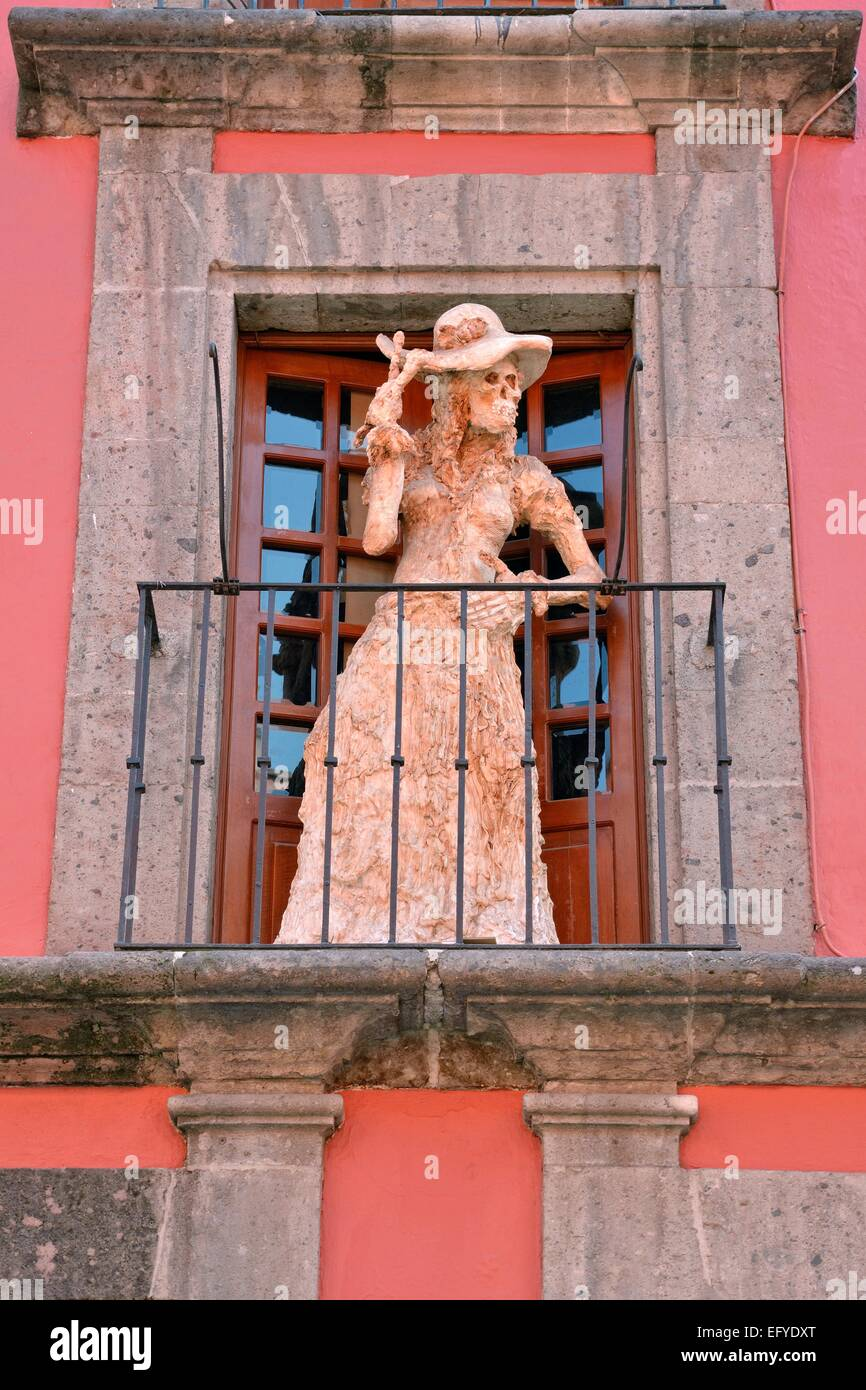 Sculpture on the subject of death and impermanence by Maria Eugenia Chellet, on a balcony of Casa de la Primera - Stock Image