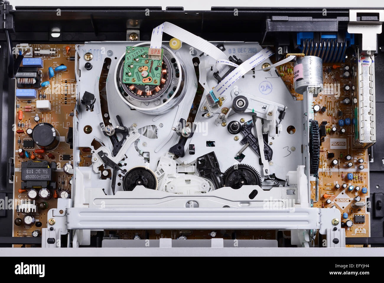 The Inside Of A Vhs Video Cassette Player Efyjh on 1995 Grand Cherokee Laredo Parts