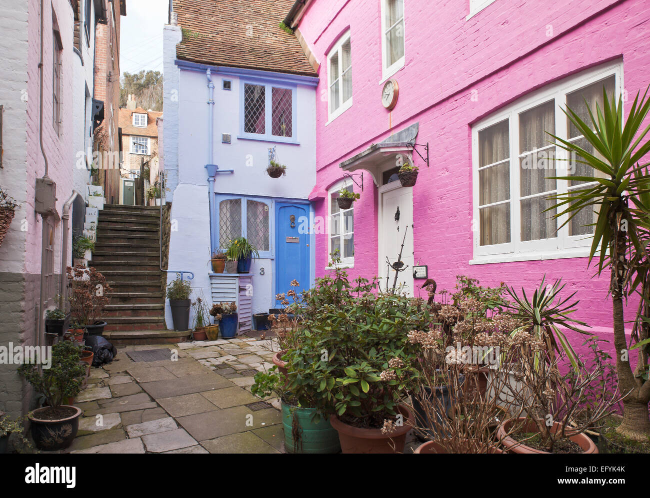 The narrow alleys of Hastings old town. - Stock Image
