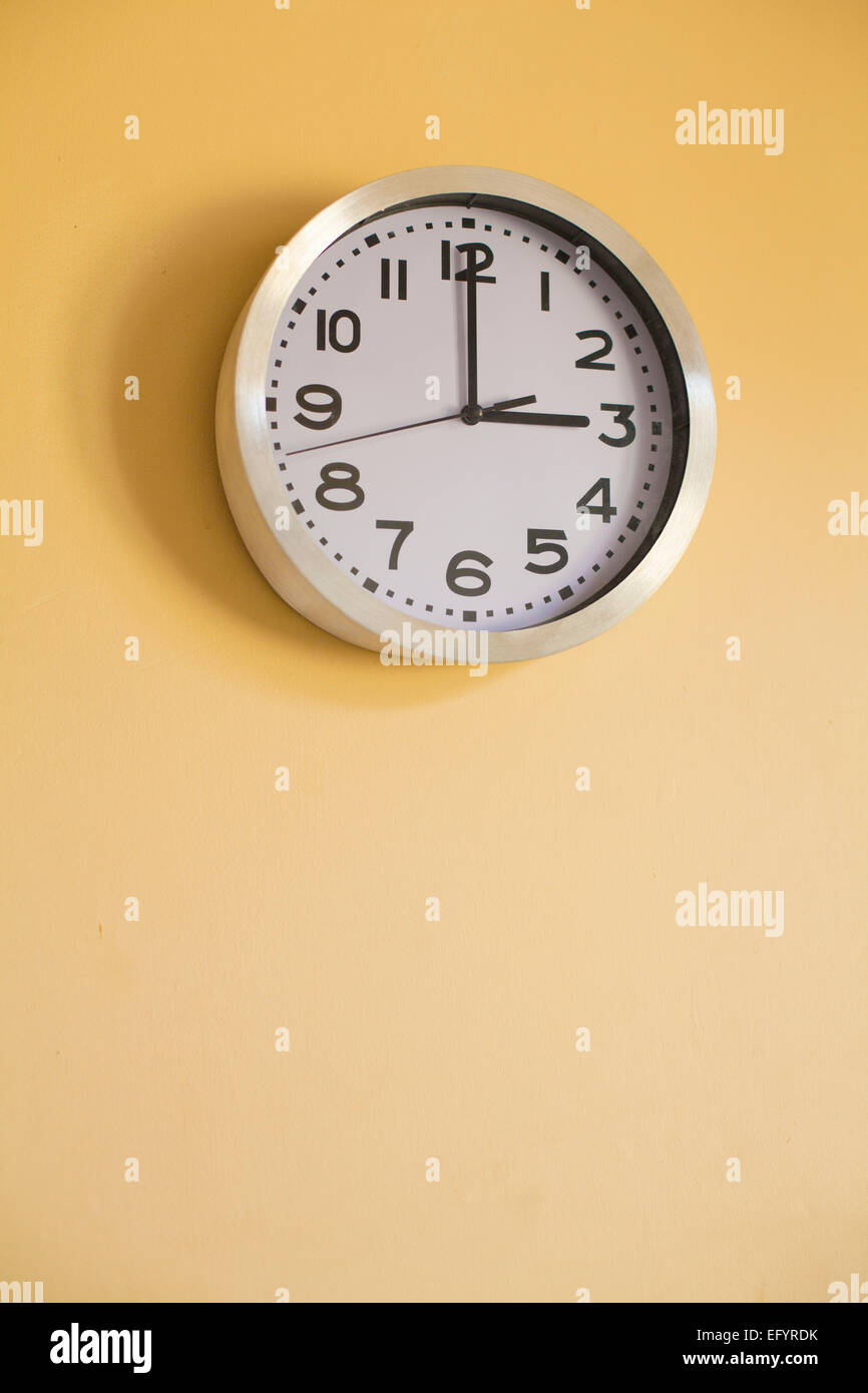 Clock Face Showing Time 12 Stock Photos Clock Face Showing Time 12