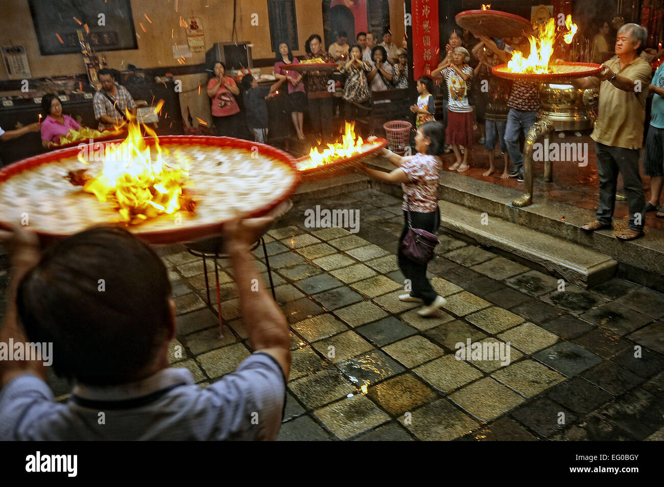Semarang, Central Java, Indonesia. 12th Feb, 2015. CENTRAL JAVA, INDONESIA - FEBRUARY 12: Indonesia chinese prayer - Stock Image