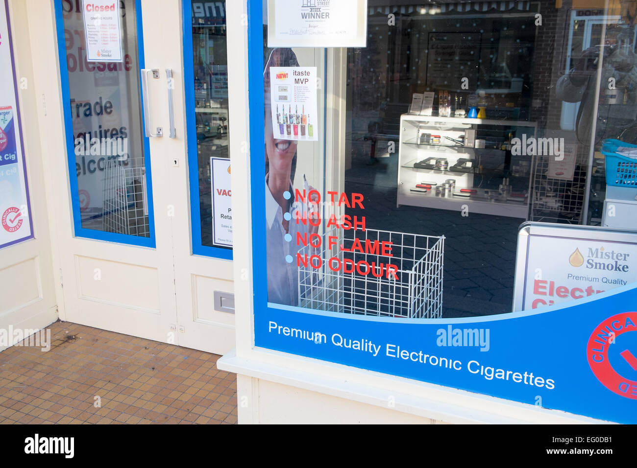 shop in Belper, Derbyshire selling electronic e cigarettes and vaping mods - Stock Image