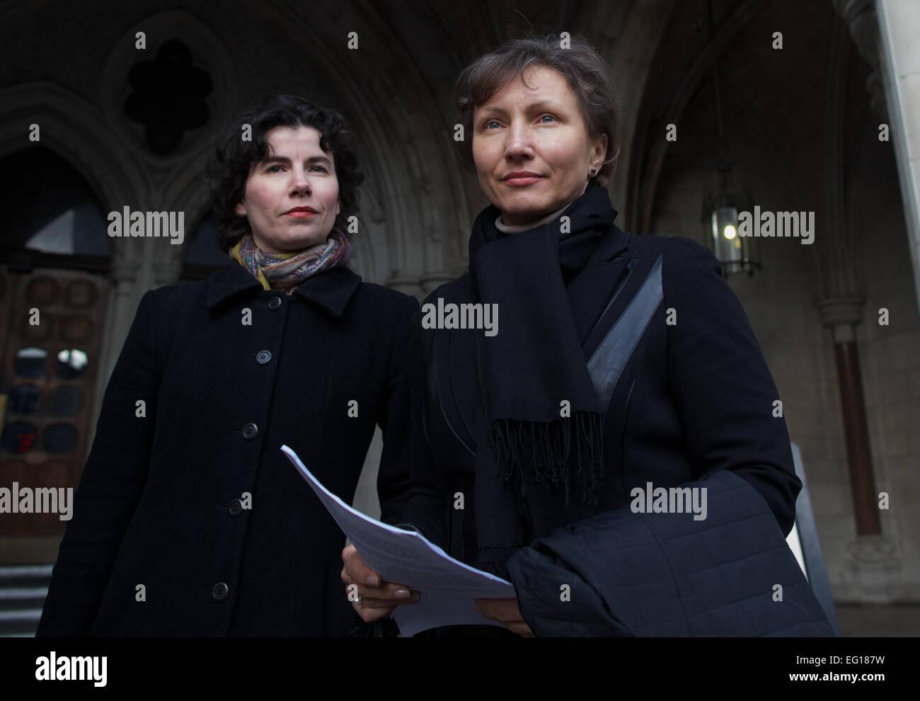 UNITED KINGDOM, London : Russian widow of the former KGB spy Alexander Litvinenko, Marina (R) is photographed leaving - Stock Image