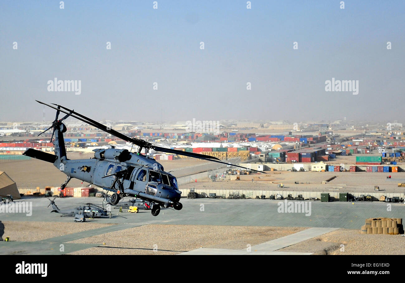 A U.S. Air Force HH-60G Pave Hawk helicopter from the 26th Expeditionary Rescue Squadron ERQS executes a mission - Stock Image