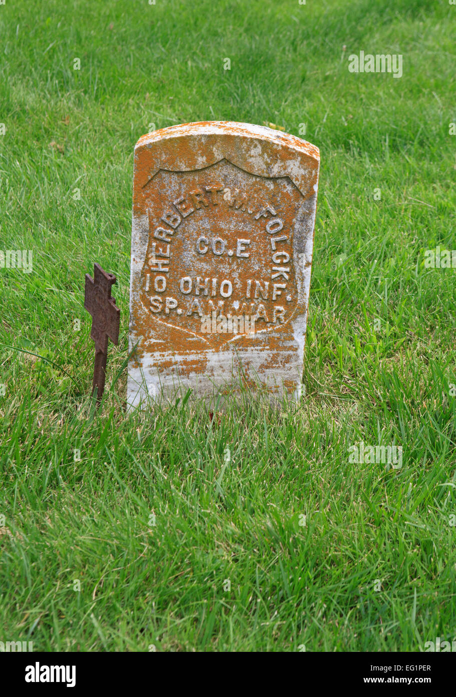 Tombstone of  veteran of the Spanish-American war. - Stock Image