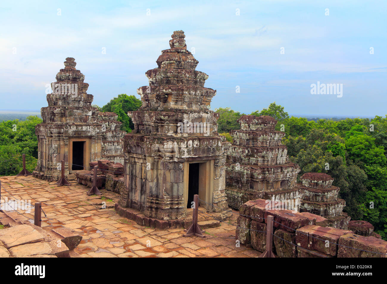 Phnom Bakheng - Bakheng Sunset - Siem Reap phnom bakheng ...  |Phnom Bakheng Temple