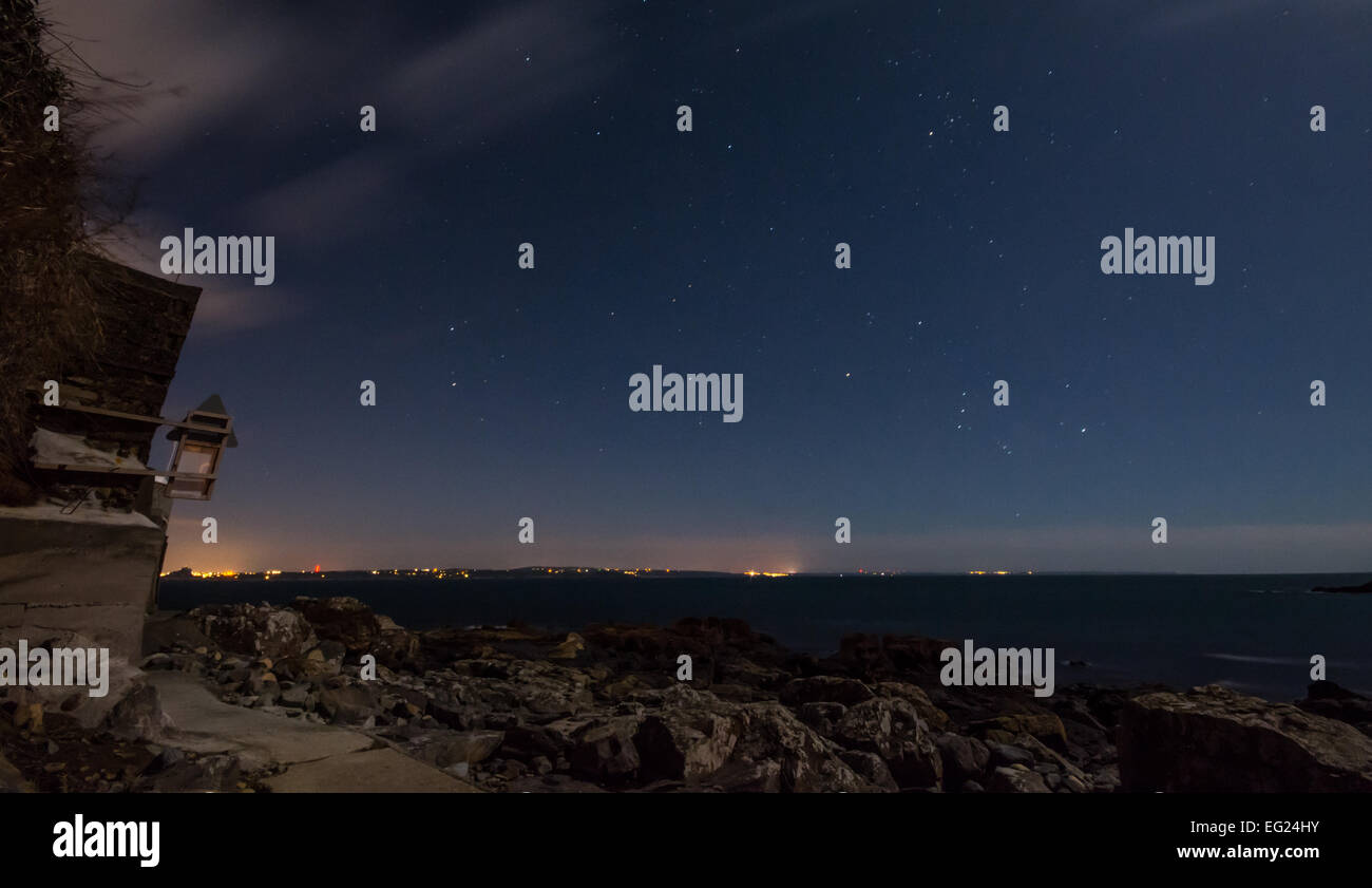 Starry night sky over Mounts Bay in Cornwall - Stock Image