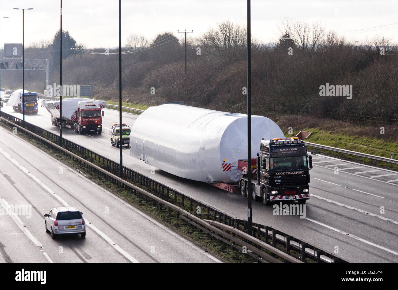 Bristol, UK. 14th Feb, 2015. A Boeing 747 fuselage being transported on the M4 near junction 21. The aircraft fuselage - Stock Image