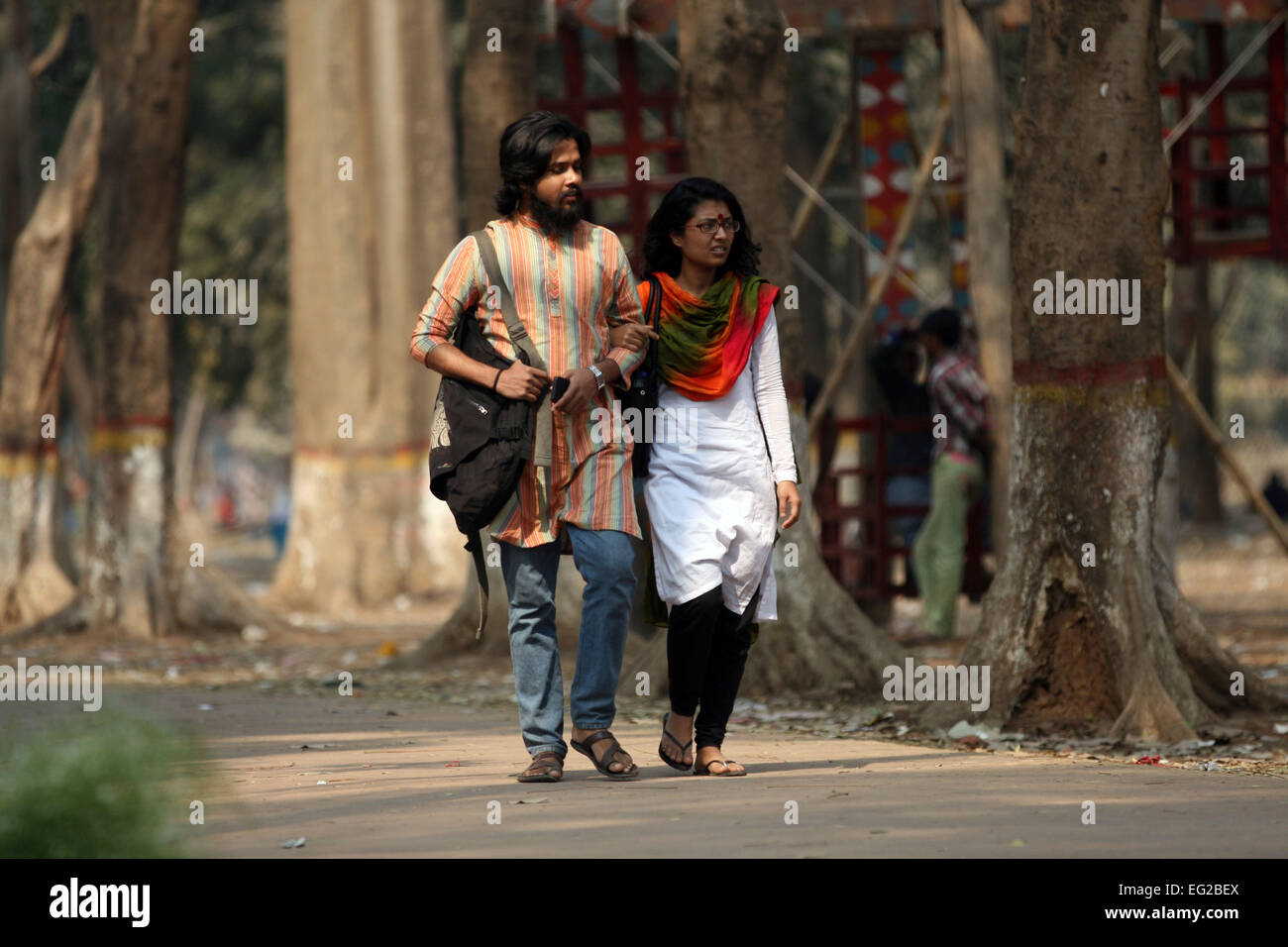 Dhaka bangladesh 14th february 2015 a young couple on valentines day at shohrawardi uddan in dhaka