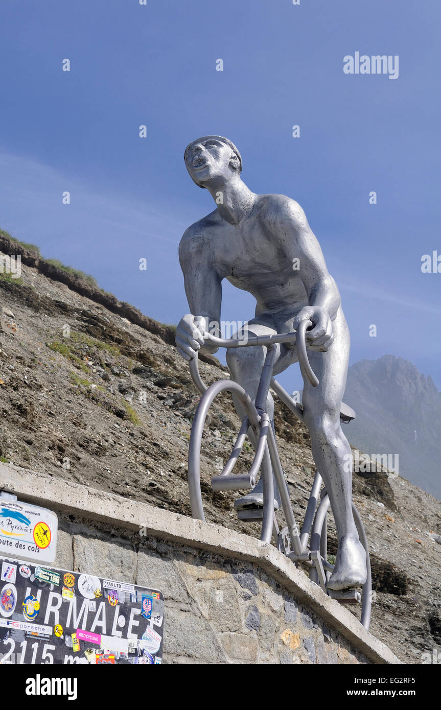 Statue for Tour de France cyclist Octave Lapize at the mountain pass Col du Tourmalet (2215m), Pyrenees, France. Stock Photo