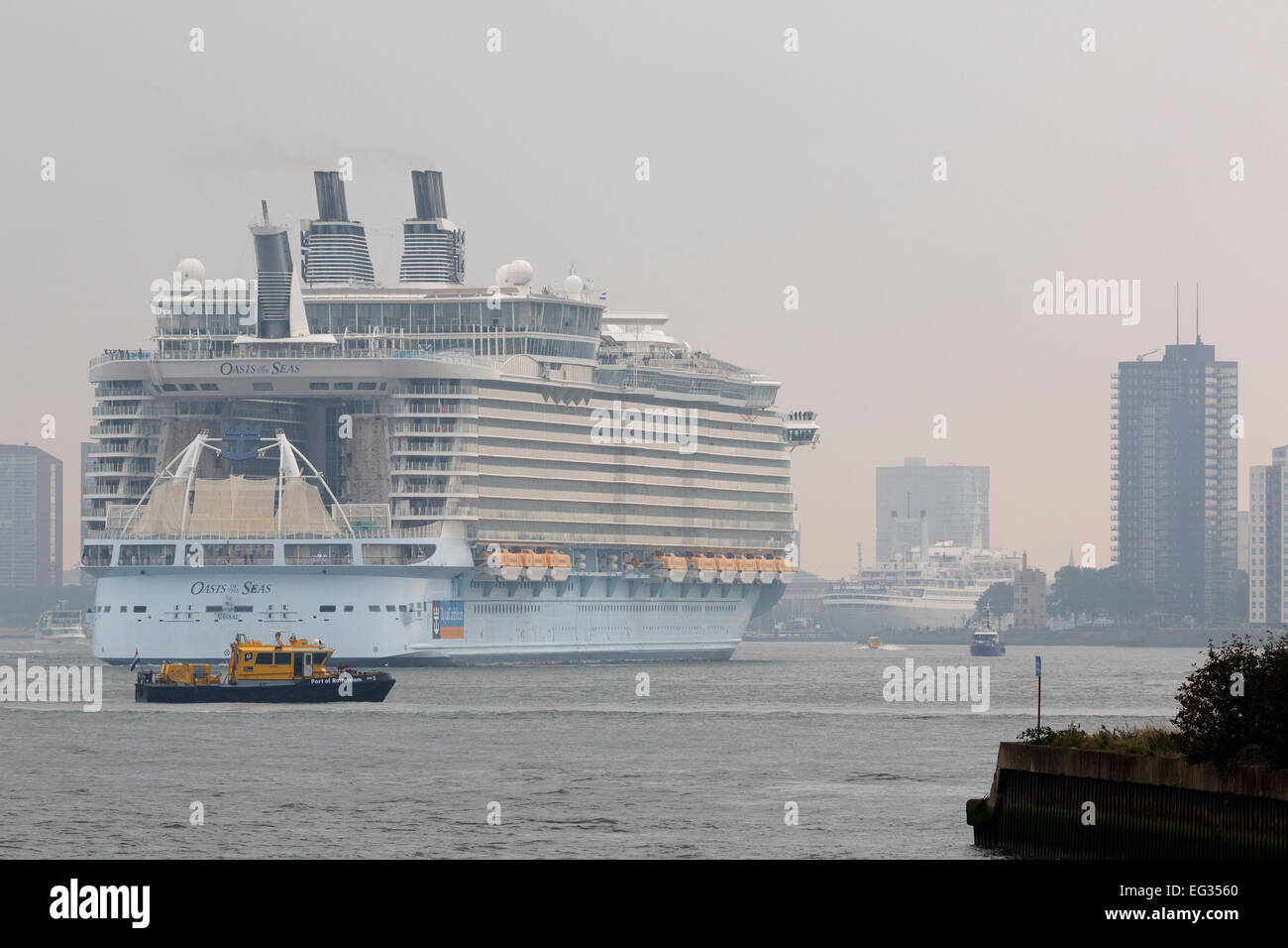 Oasis of the Seas calling Rotterdam during her 2014-visit to Europe. - Stock Image
