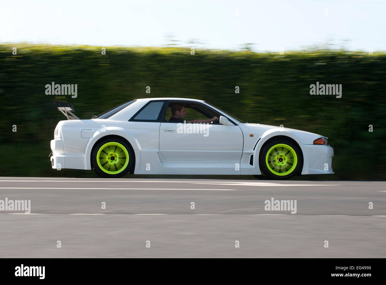 heavily modified nissan r32 skyline with a wide body kit. Black Bedroom Furniture Sets. Home Design Ideas