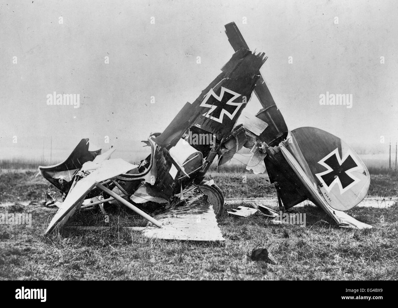 Wreckage of a German Albatross D. III fighter biplane, circa 1917 - Stock Image