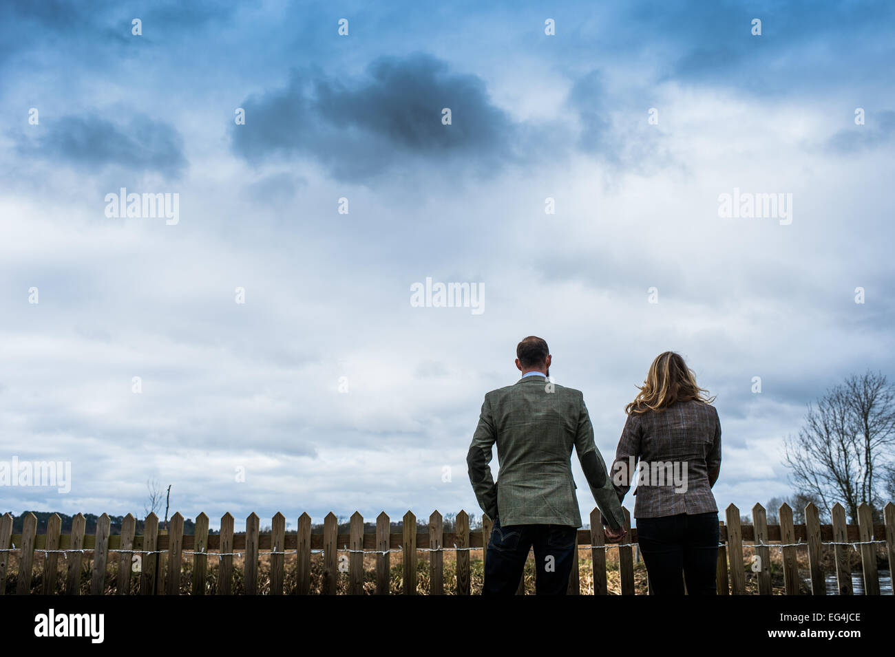Couple Holding Hands Silhouette Stock Photos & Couple ...  Couple Holding ...