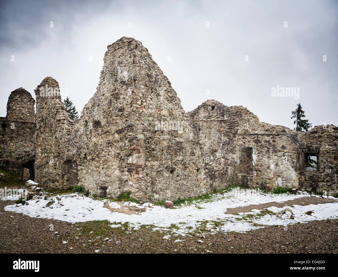 Image of ruin Hohenfreyberg on a winter day with mist and mystical mood - Stock Image