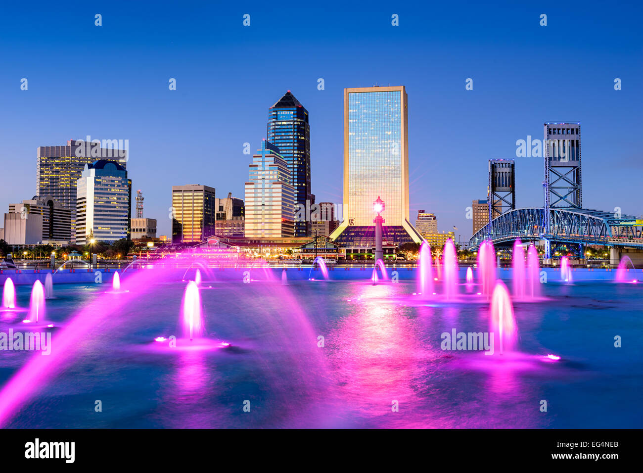 Jacksonville, Florida, USA city skyline at the fountain. - Stock Image