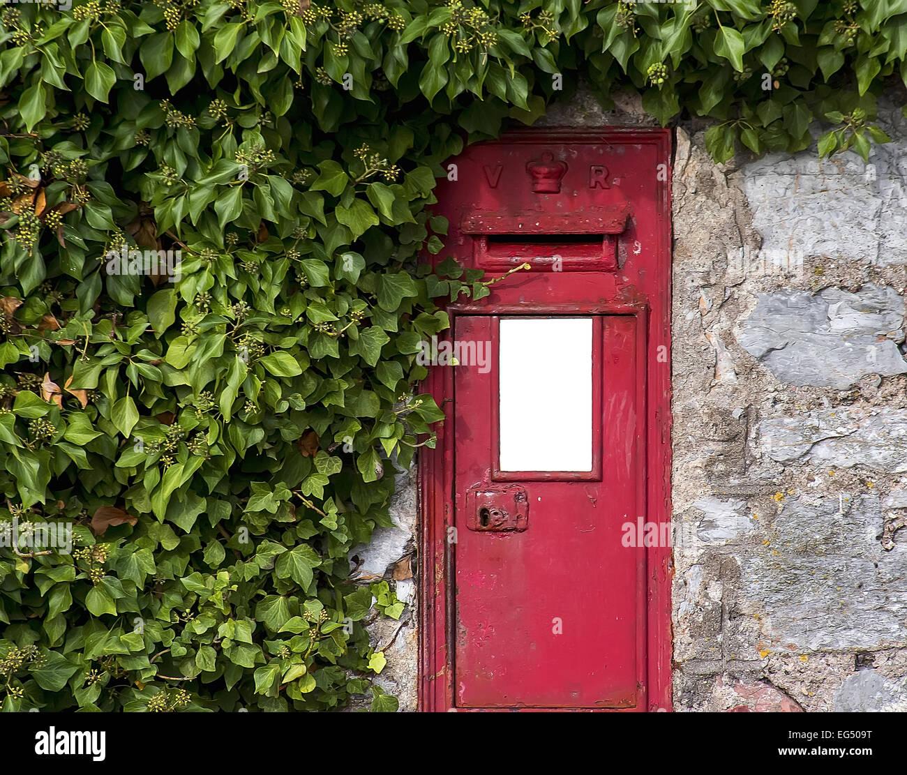 mailbox,uk,postal service,old,wall,retro,symbol,British Culture,English Culture,letter - Stock Image