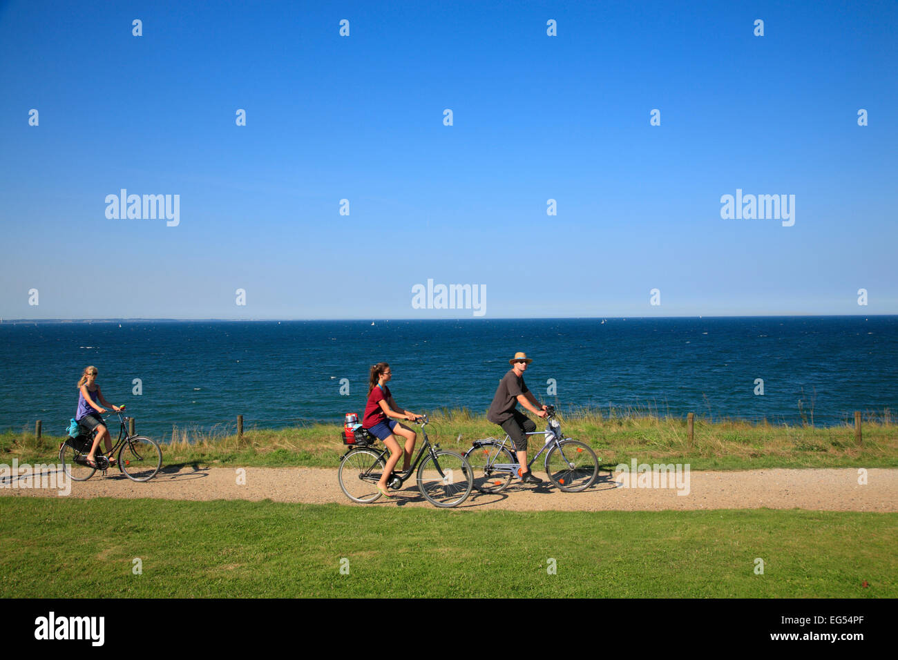 Bicyclists at  Brodten cliff near Travemuende, Baltic Sea coast, Schleswig-Holstein, Germany, Europe - Stock Image