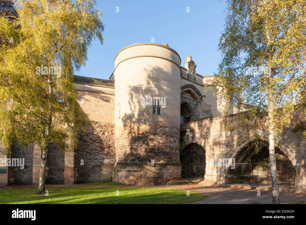 English castle: The Gate House and bridge, Nottingham Castle, Nottingham, England, UK - Stock Image