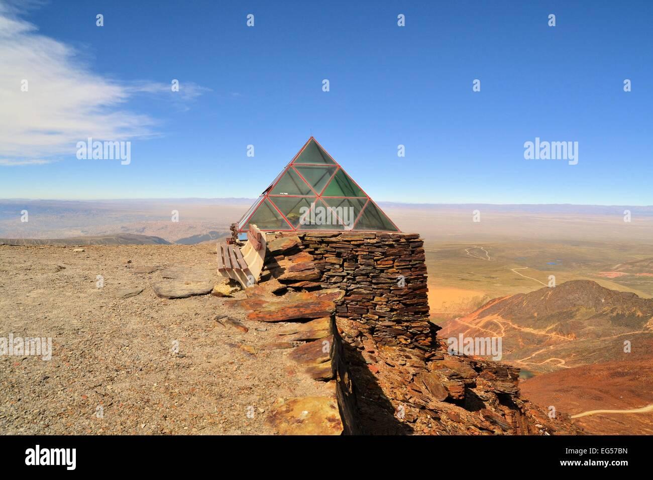 Weather Station on Chacaltaya peak, highest ski resort in the world, Bolivia - Stock Image
