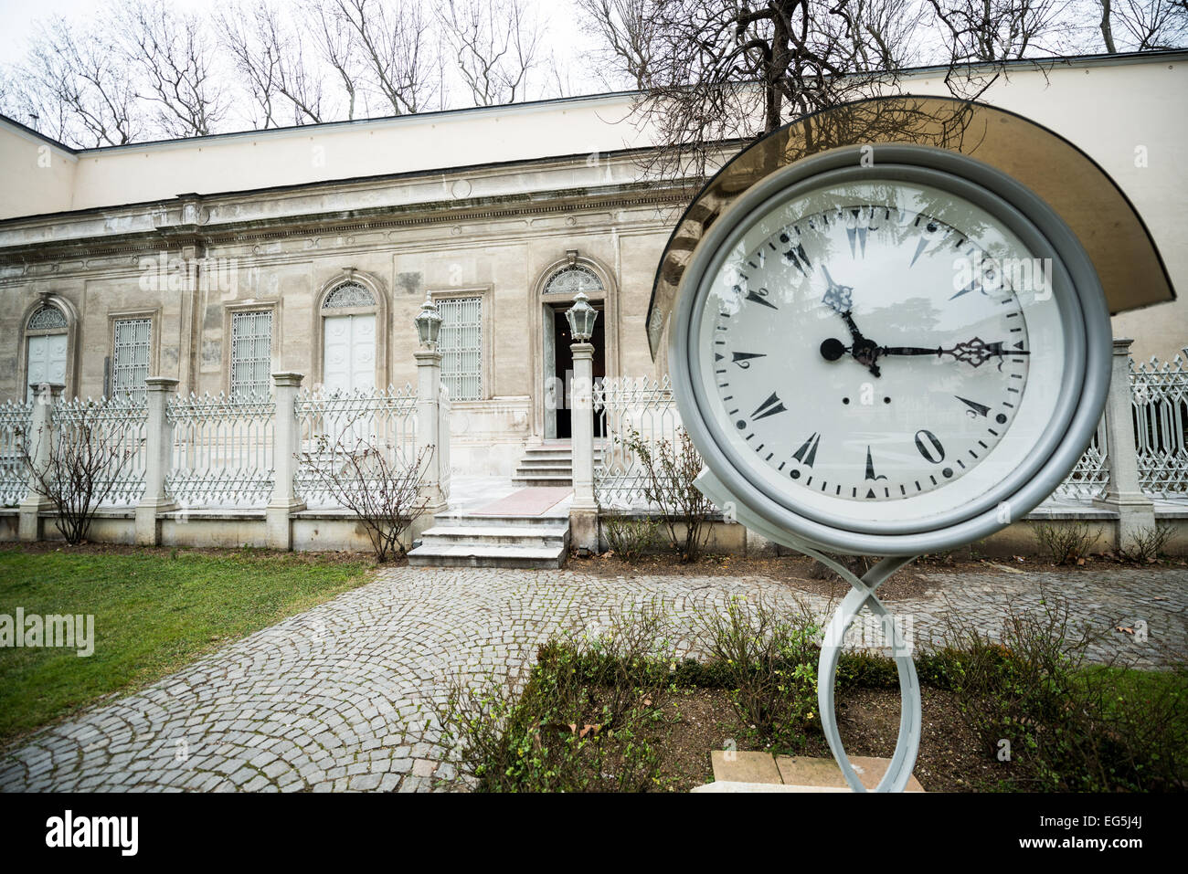 The entrance to the Clock Museum at Dolmabahçe Palace. Dolmabahçe Palace, on the banks of the Bosphorus - Stock Image