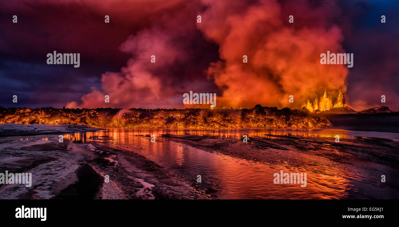 Glowing lava at the eruption site,  Holuhraun Fissure, Bardarbunga Volcano, Iceland - Stock Image